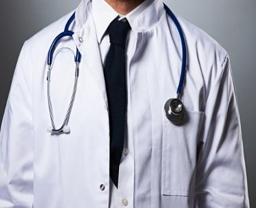 articleImage: Młody lekarz odpracuje studia?