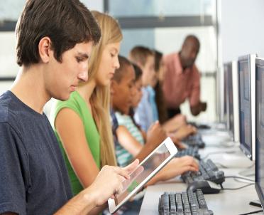 articleImage: [Tekst Sponsorowany] Aktywna Tablica - zbliża się termin składania wniosków przez szkoły do projektu