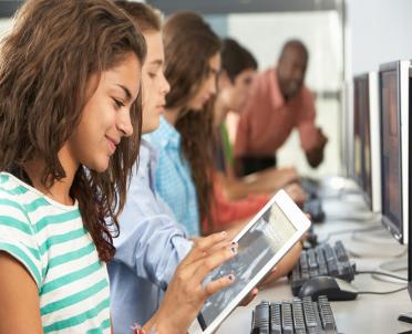 articleImage: Znajomość technologii i umiejętności statystyczne pożądane na rynku pracy