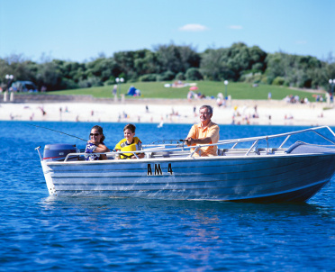 articleImage: Wstęp na plażę uniemożliwia ryczałt od wynajmu sprzętu wodnego
