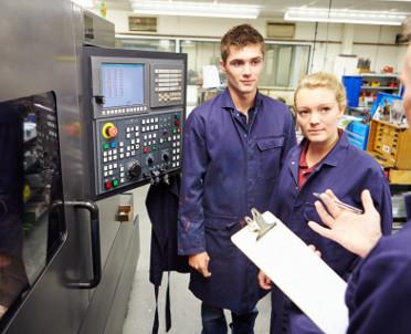 articleImage: Ponad 10 mln z UE na kształcenie zawodowe