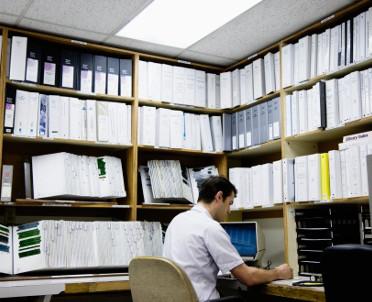 articleImage: Pracowniczą dokumentację medyczną przechowuje się przez 20 lat
