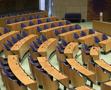 articleImage: Szef PE nawołuje do działań wobec krajów, które nie chcą uchodźców