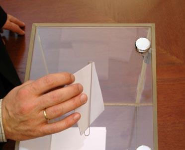 articleImage: Referendum w sprawie odwołania burmistrza Pionek nieważne