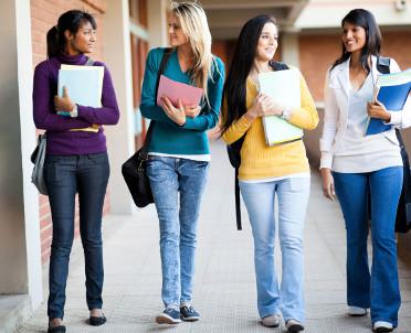 articleImage: Raport: młodym ludziom brakuje pewności siebie