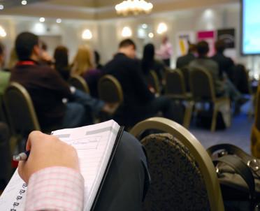articleImage: Zamówienia publiczne - warto się spotykać i o nich rozmawiać