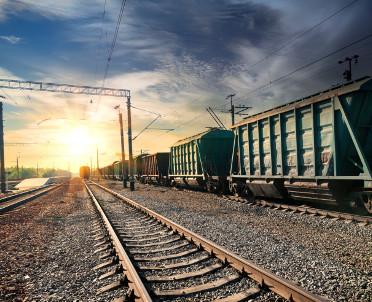 articleImage: Śląskie: pierwszy z 19 nowych pociągów Elf2 wyjechał na tory