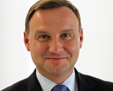 articleImage: Bezpłatne legitymacje dla uczniów polonijnych - Prezydent podpisał ustawę