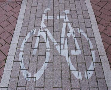 articleImage: Samorządy sfinansują budowę ścieżek rowerowych przy drogach krajowych