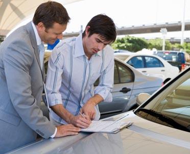 articleImage: W jaki sposób rozliczyć w kosztach podatkowych ubezpieczenie samochodu osobowego?