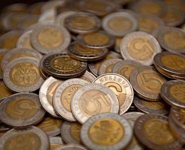 articleImage: Czy wypłata gotówki pracownikom z ZFŚS na święta, zamiast bonów towarowych, będzie zwolniona z podatku do kwoty 380 zł?