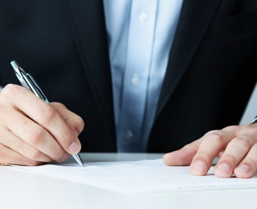 articleImage: W umowie o zamówienie publiczne niezbędna jest równowaga stron