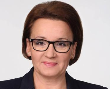 articleImage: Zalewska: 98 proc. powiatów i 96 proc. gmin ma uchwały ws. sieci szkół