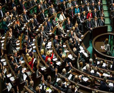 articleImage: W piątek blok głosowań w Sejmie: spółki i prawo pocztowe