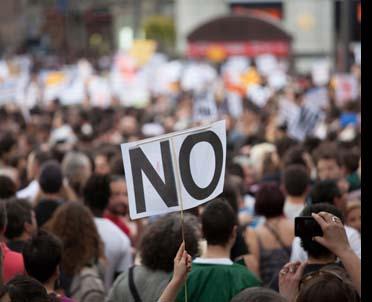 articleImage: Manifestacja przeciwników Dużego Opola - miasto odstępuje od mediacji