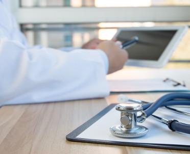 articleImage: Nowe rozporządzenie ws. stażu adaptacyjnego i testu umiejętności w zawodach medycznych