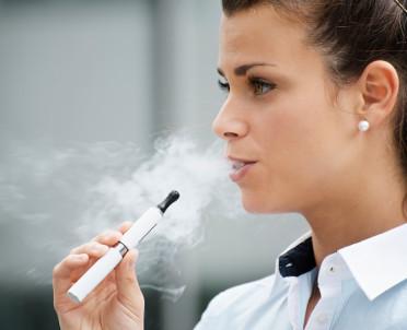 articleImage: Fundacja Republikańska: akcyza uśmierci legalny rynek e-papierosów