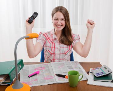 articleImage: Młodzi słabo wierzą w swoje szanse na rynku pracy