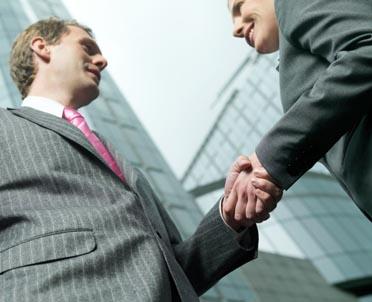 articleImage: Czy pracodawcy mogą zawrzeć porozumienie dotyczące przejścia pracowników?