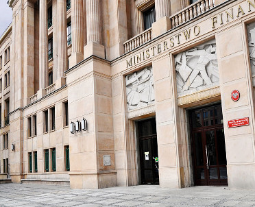 articleImage: MF: na koniec roku deficyt budżetowy poniżej 33 mld zł