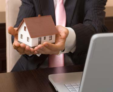 articleImage: Adaptacja strychu na cele mieszkaniowe - zawarcie umowy przedwstępnej