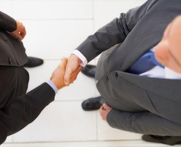 Efekt pierwszego wrażenia – jak dobrze wypaść w kontaktach z klientami (I)