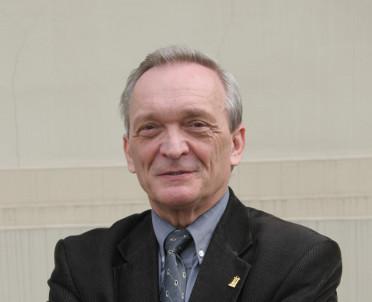articleImage: Prof. Izdebski: bez podziału władz nie ma konstytucji