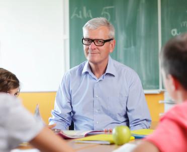articleImage: Czy nauczyciel, który teraz przejdzie na emeryturę, dostanie mniej pieniędzy?