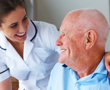 articleImage: MZ: pielęgniarki w domach pomocy społecznej bez podwyżek