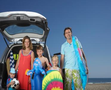 articleImage: Bezpieczne wakacje za granicą - specjalne aplikacje dostępne na stronach rządowych