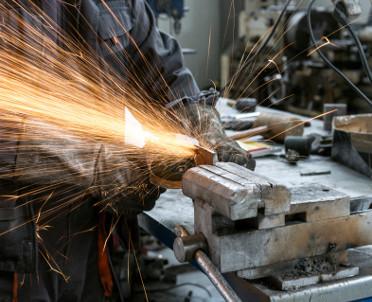 articleImage: Związki chcą pomostówek dla pracujących w szczególnych warunkach