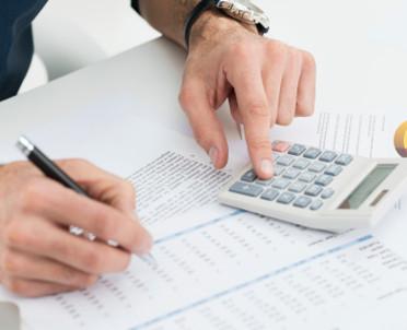 articleImage: Gdy mały podatnik świadczy usługi budowlane, rozliczenie VAT nie musi być skomplikowane