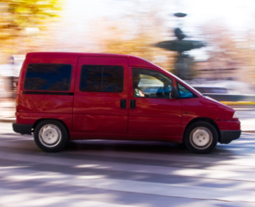 articleImage: Ryczałt z tytułu nieodpłatnego korzystania ze służbowego vana zależy od pojemności silnika