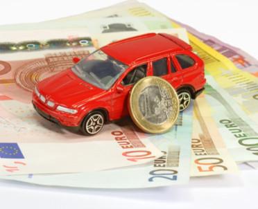 articleImage: MF: stale wzrasta liczba osób uzyskujących dochody z zagranicy
