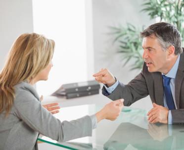 articleImage: Mowa ciała – 7 wskazówek pomocnych przy pierwszym spotkaniu (II)