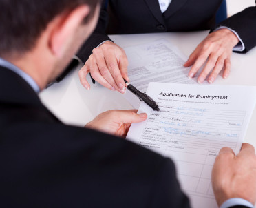 articleImage: Zamawiający ma sprawdzać, czy zamówienie wykonują legalni pracownicy