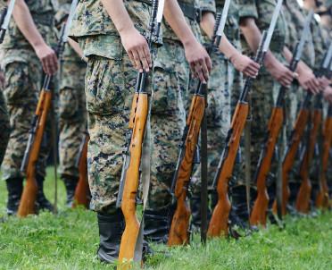 articleImage: Musztra i dyscyplina - pomysł MON na lekcje przysposobienia obronnego