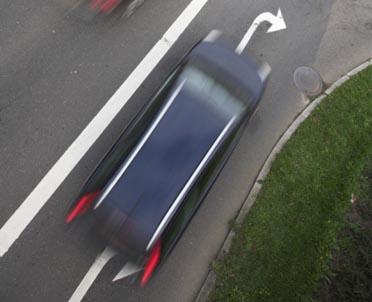 articleImage: Sąd: przy wjeździe na rondo lewy kierunkowskaz nie jest wymagany