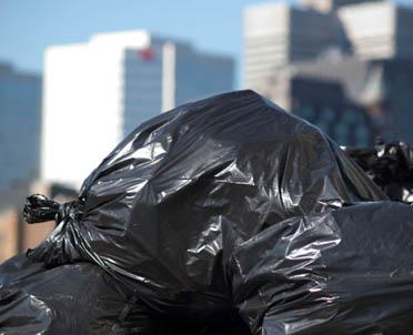 articleImage: Jakie formalności musi spełnić pośrednik w obrocie odpadami?