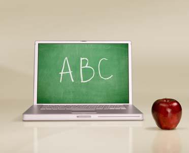 articleImage: NIK: szkoły posiadają komputery i dostęp do internetu, ale rzadko korzystają z e-podręczników