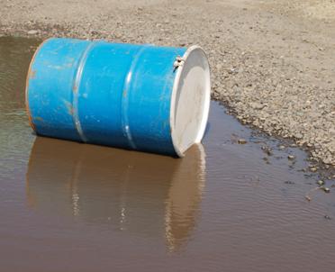 articleImage: Naruszenie stosunków wodnych na gruncie – konsekwencje prawne