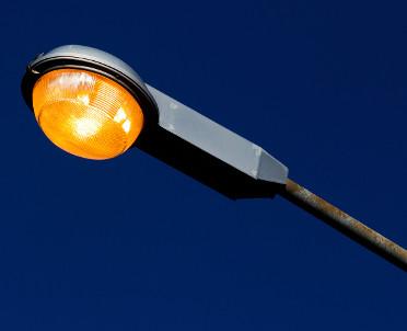 articleImage: W Katowicach stanie blisko 30 latarni hybrydowych