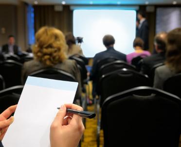 articleImage: Akademia Rynku Nieruchomości – wiedza o wycenie, zarządzaniu i pośrednictwie w jednym miejscu