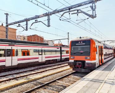 articleImage: Województwo małopolskie chce kupić więcej pociągów niż pierwotnie planowało