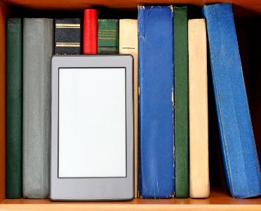 MEN: uczniowie nadal z prawem do bezpłatnych podręczników