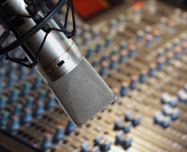 articleImage: Państwo zapłaci RMF FM ponad 80 mln zł za zakaz rozszczepiania reklam