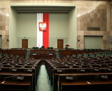 articleImage: Sejm: projekt pomocy dla przedsiębiorstw w kryzysie wrócił do komisji