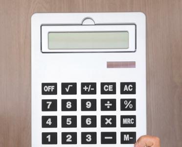 articleImage: Jak księgować fakturę w przypadku nabycia do którego stosuje się odwrotne obciążenie w VAT?