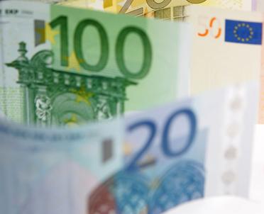 articleImage: KE naciska na Polskę ws procedury dot. prania pieniędzy