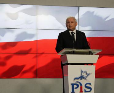 articleImage: PiS wycofuje się z projektu o Funduszu Dróg Samorządowych